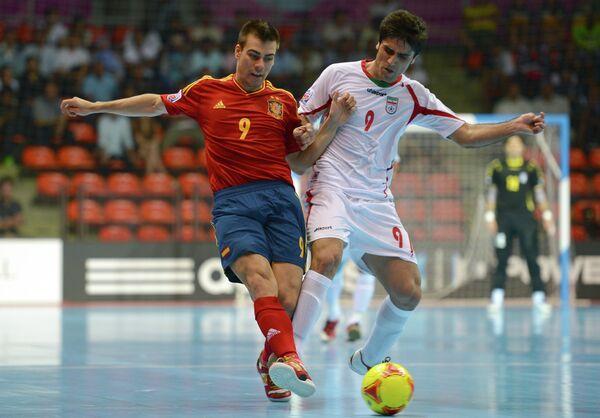 Игровой момент матча Испания - Иран