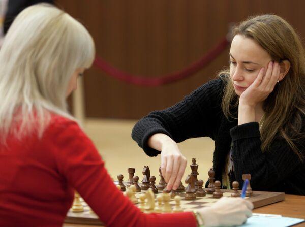 Антуанета Стефанова (справа) и Анна Ушенина