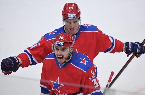 Яков Рылов (на первом плане) и Патрик Дэвис