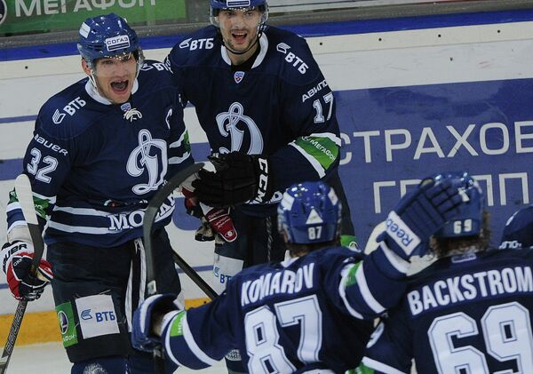 Александр Овечкин, Роман Дерлюк, Леонид Комаров и Никлас Бэкстрем (слева направо)