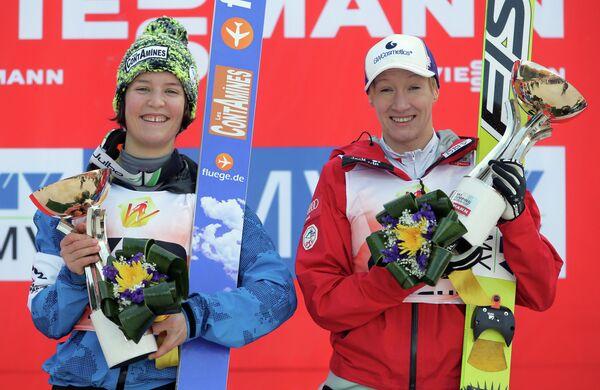 Французская спортсменка Колин Маттель (первое место) и австрийская спортсменка Даниэла Ирашко (первое место)