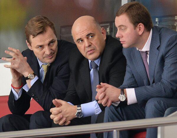 Генеральный менеджер ХК ЦСКА Сергей Федоров (слева)