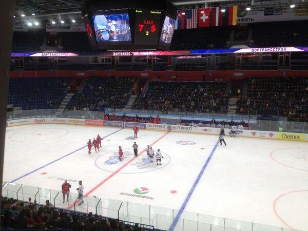 Игровой момент матча молодежных сборных России и Швейцарии