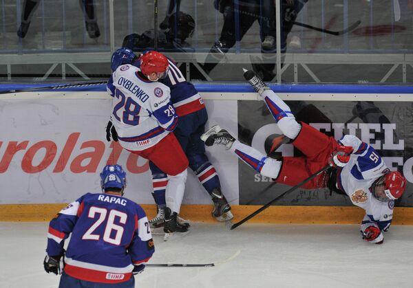 Игровой момент матча Россия - Словакия