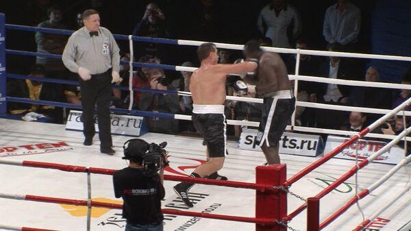 Олег Маскаев отправил в нокаут Оуэна Бека на турнире Возвращение чемпиона