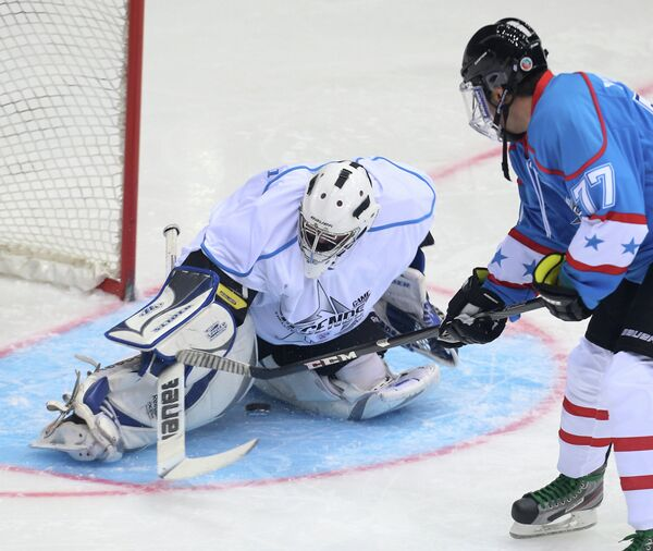 Хоккейный матч Легенд - 2013