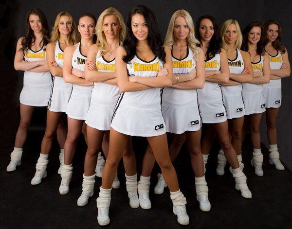 Участницы группы поддержки баскетбольного клуба Химки