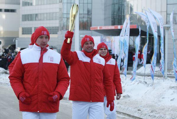 Алексей Морозов (в центре)