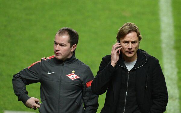 Роман Асхабадзе (слева)