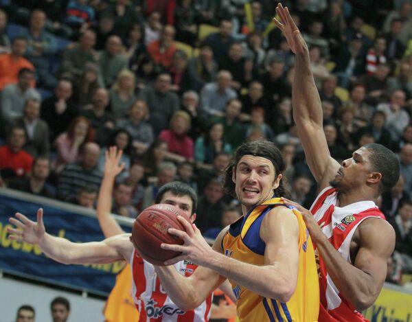 Игровой момент матча Химки - Олимпиакос