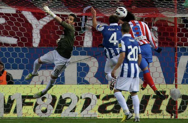 Игровой момент матча Атлетико - Эспаньол