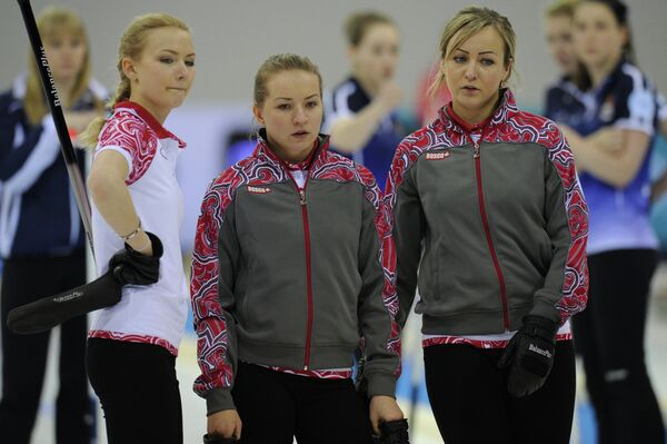 Члены юниорской сборной России по керлигу
