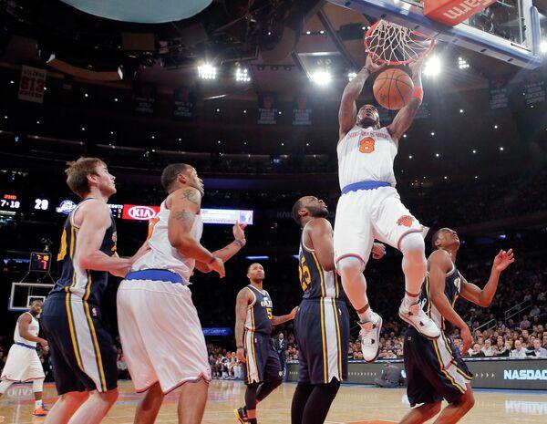 Игровой момент матча НБА Нью-Йорк Никс Юта Джаз