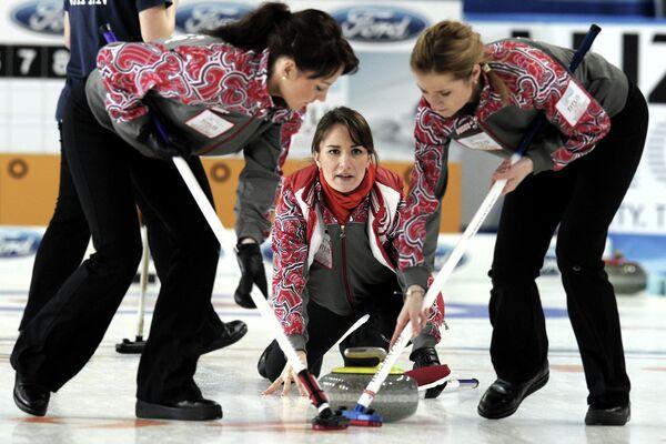 Российские спортсменки Екатерина Галкина, Анна Сидорова и Маргарита Фомина (слева направо)