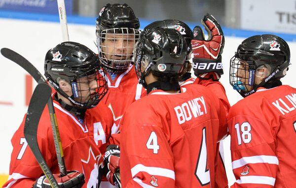 Хоккеисты юниорской сборной Канады