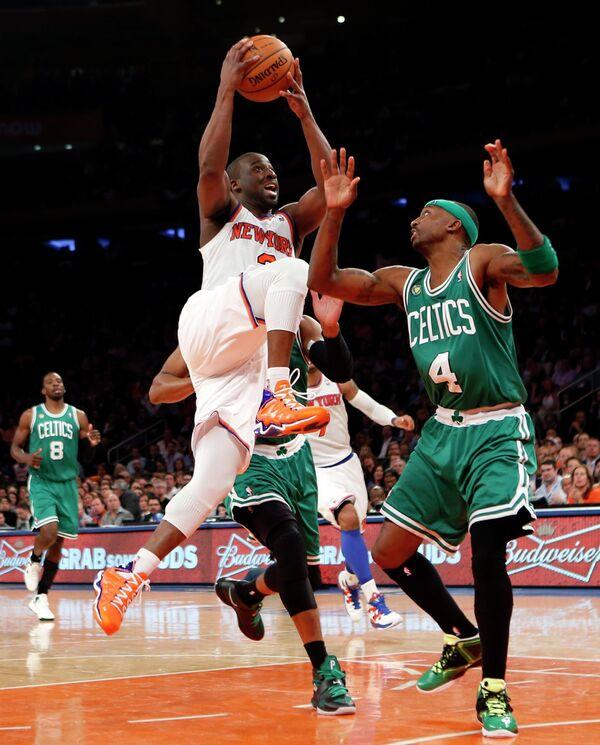 Игровой момент матча Нью-Йорк - Бостон