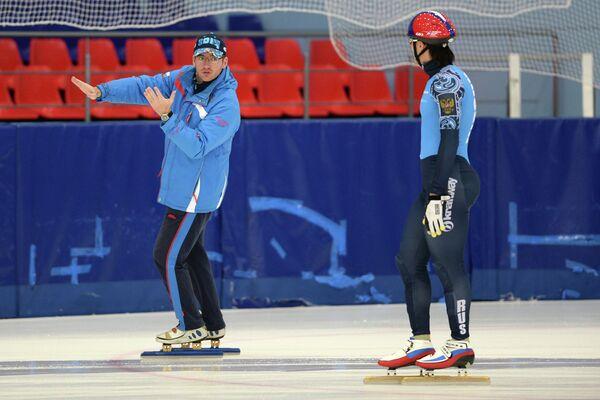 Главный тренер Себастьян Крос (слева) и Владимир Григорьев