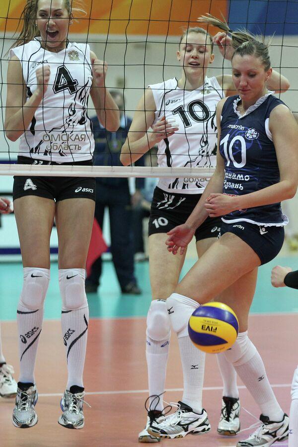 Юлия Подскальная, Ольга Фатеева и Джордан Ларсон (слева направо)