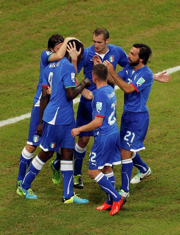 Футболисты Италии