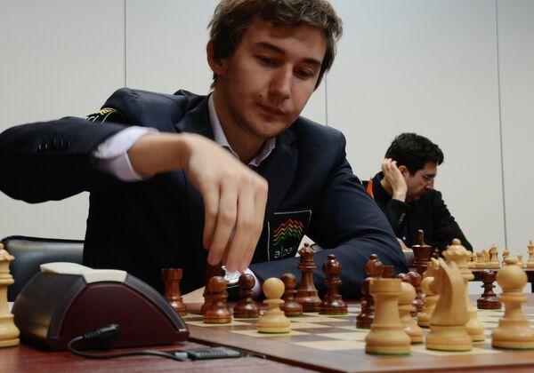 Сергей Карякин (слева) и Владимир Крамник