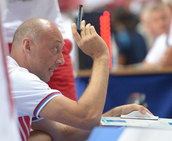 Главный тренер студенческой сборной России Василий Карасев