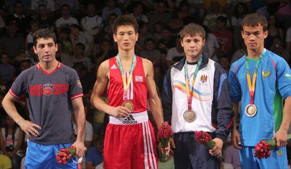 Миша Алоян, Идерх Энхжаргал, Александр Рискан, и Ясурбек Латипов (слева направо)