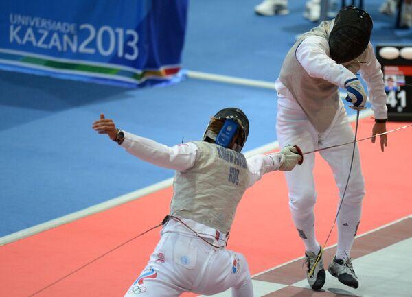 Российский спортсмен Алексей Хованский (слева) и мексиканский спортсмен Даниэль Гомес