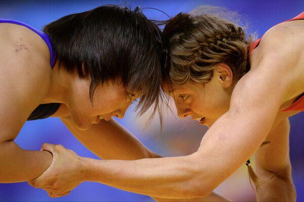 Валерия Коблова (справа) и Орхон Пуревдорж