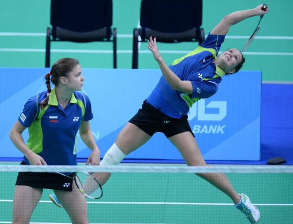 Российские спортсменки Анастасия Червякова и Татьяна Бибик (справа)
