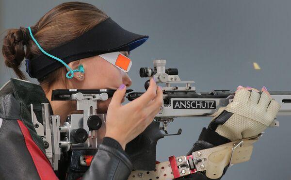 Дарья Вдовина (Россия) во время финальных соревнований по пулевой стрельбе