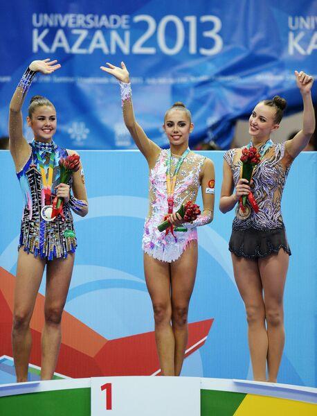 Александра Меркулова (Россия) - (серебряная медаль), Маргарита Мамун (Россия) - (золотая медаль), Анна Ризатдинова (Украина) - бронзовая медаль.