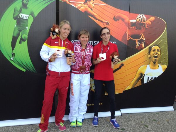 Елена Паутова (в центре), Елена Гонгост (слева) и Мэрием Эн-Нурхи