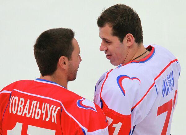 Илья Ковальчук и Евгений Малкин (слева направо)