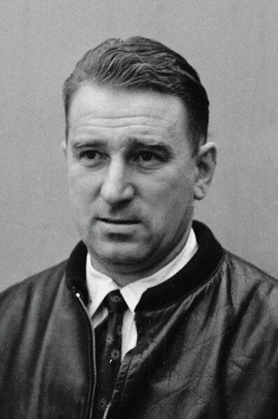 Тренер по хоккею Анатолий Тарасов