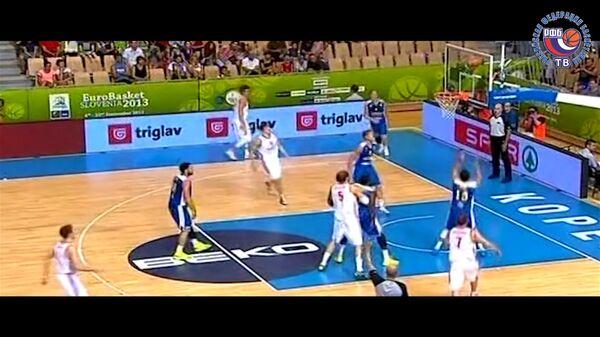 Лучшие моменты игры сборной РФ против команды Швеции на ЧЕ по баскетболу