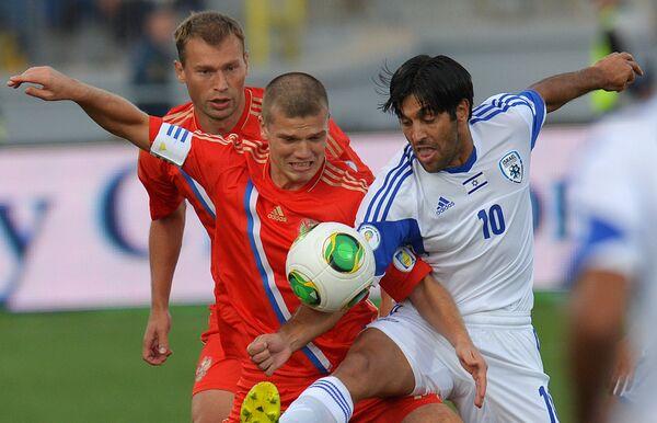 Игровой момент отборочного матча ЧМ-2014 Россия - Израиль