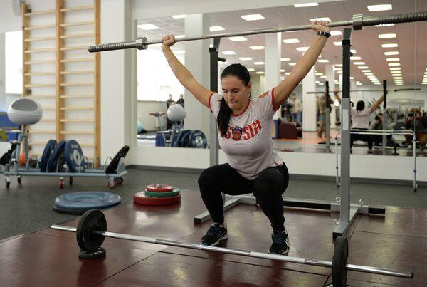 Спортсменка Мария Комиссарова на тренировке сборной России по ски-кроссу