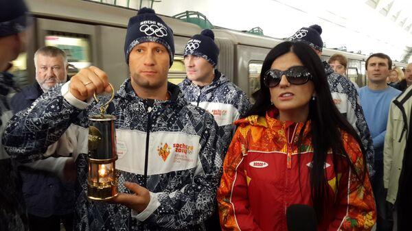 Олимпийский огонь в метро.