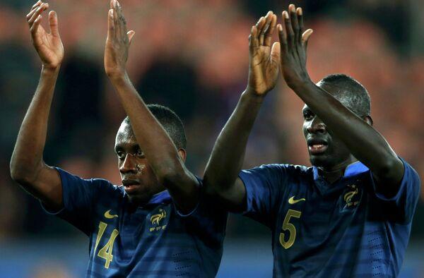 Футболисты сборной Франции Блес Матюиди и Мамаду Сахо
