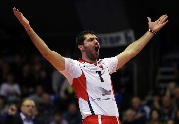 Хачатур Степанян радуется победе