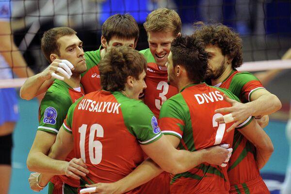 Волейболисты Локомотива