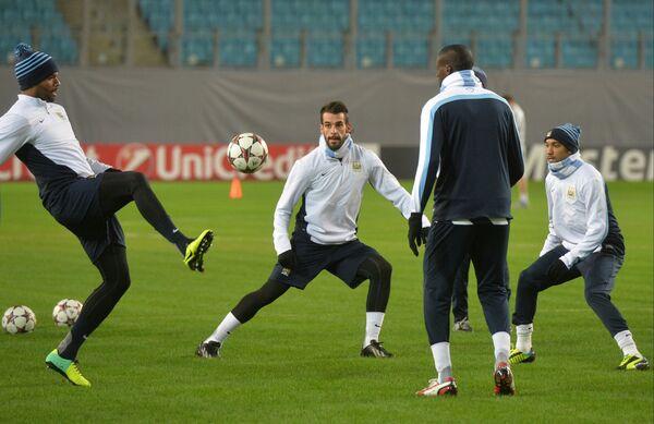 Футболисты Манчестер Сити Венсан Компани, Альваро Негредо и Гаэль Клиши (слева направо)