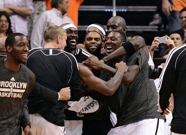 Баскетболисты Бруклин Нетс рады победе