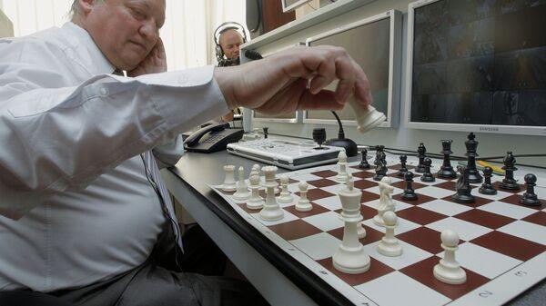 Анатолий Карпов сыграл в шахматы с будущими участниками проекта Марс-500