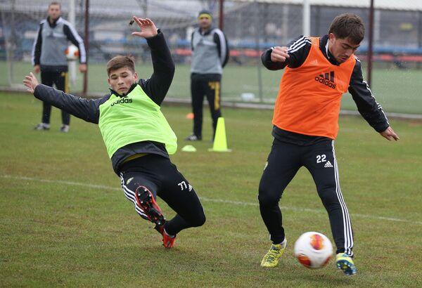 Тренировка футболистов Кубани