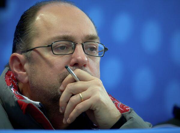 Старший тренер женской сборной России по керлингу Томас Липс