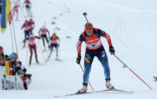 Ольга Зайцева на дистанции в женской гонке преследования в австрийском Хохфильцене.