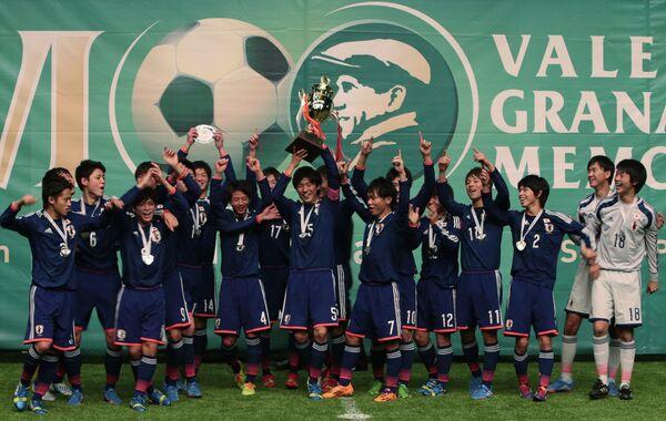 Футболисты юношеской сборной Японии
