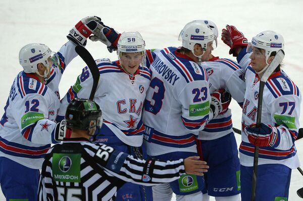 Игроки СКА Антон Малышев, Дмитрий Юдин, Алексей Поникаровский и Евгений Рясенский (слева направо)