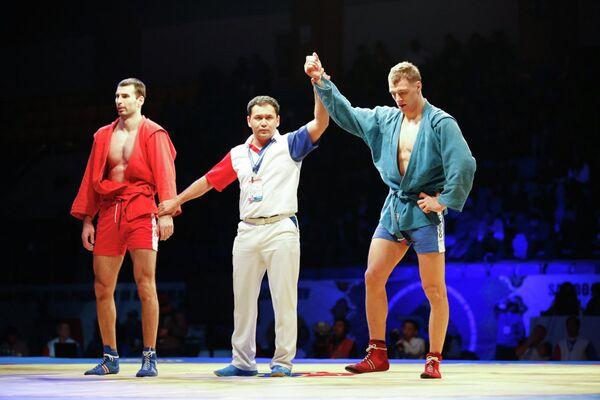 Самбист Дмитрий Елисеев
